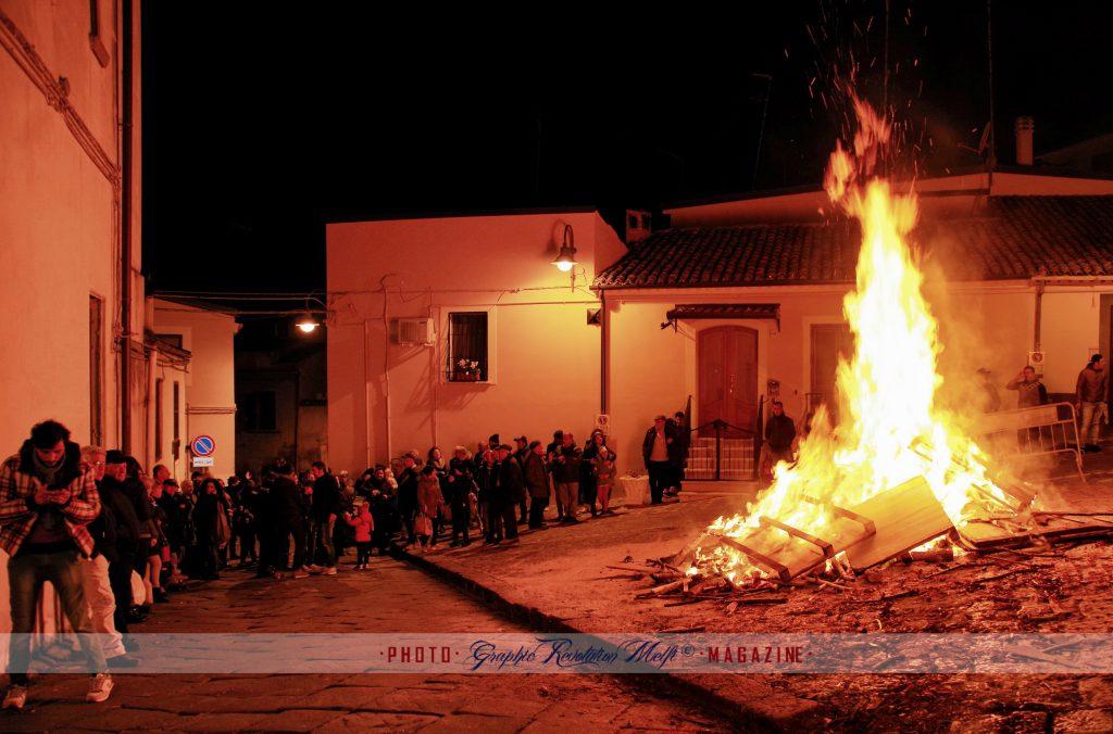 Melfi falò Santa Lucia fuoco