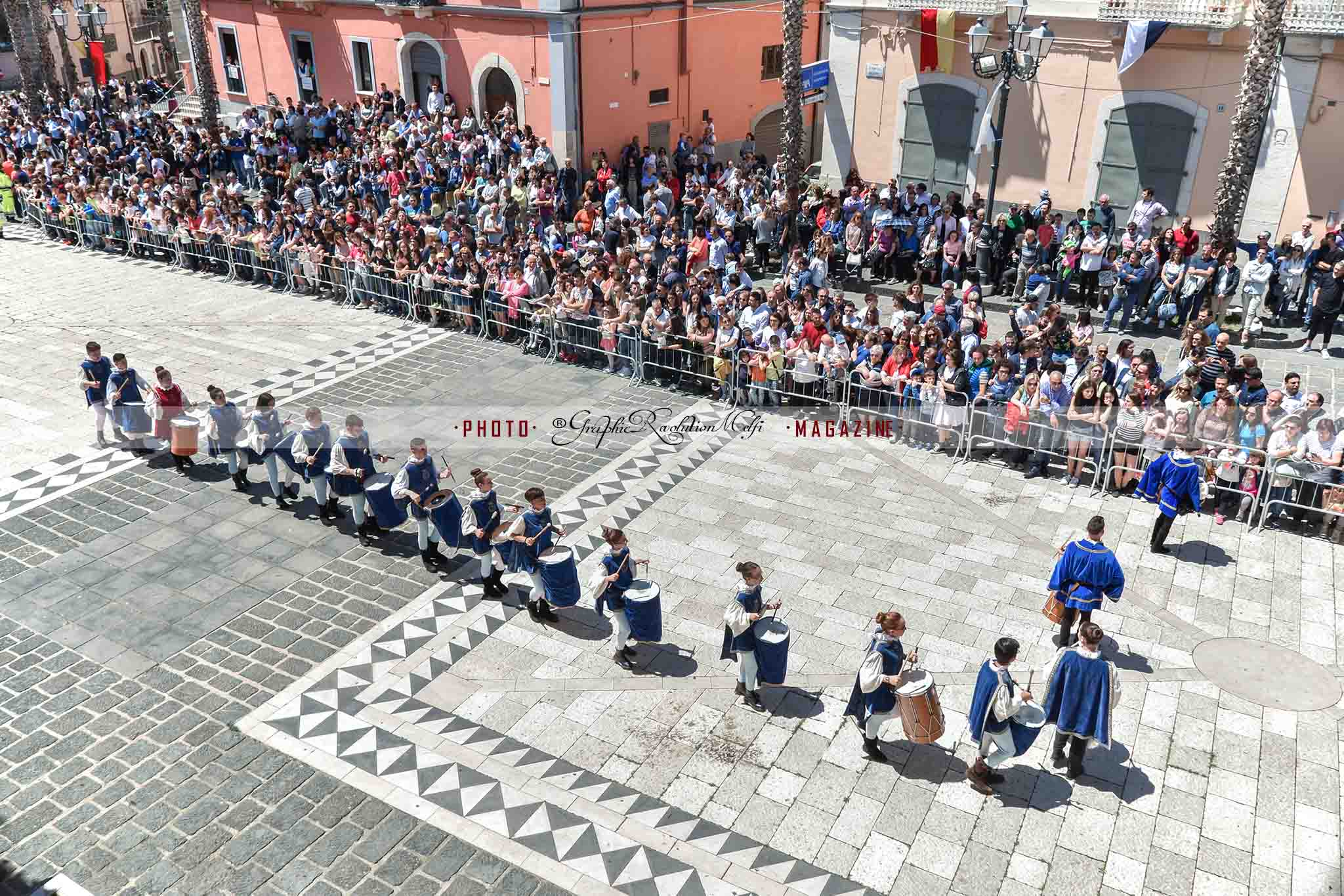 pentecoste melfi corteo storico